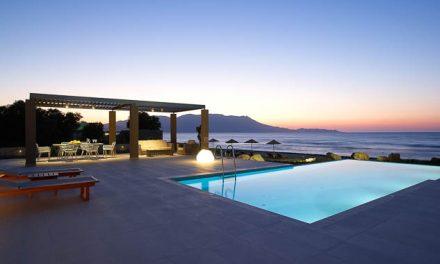 Cretan contemporary living by the Aegean